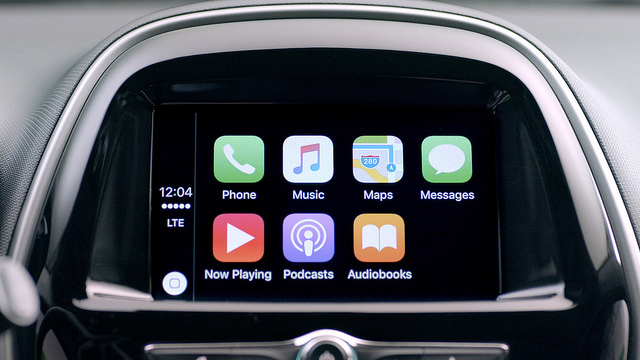 How to use Apple CarPlay